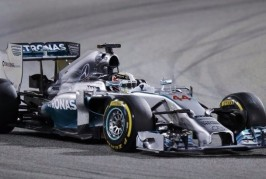 F1-BAHRAIN HAMILTON IN POLE