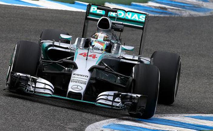 F1 GP SINGAPORE HAMILTON IN POLE