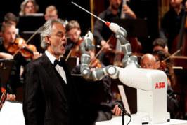 IL ROBOT DIRETTORE D'ORCHESTRA