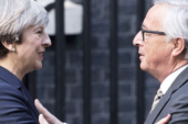 BREXIT JUNCKER E MAY CHE CAOS!