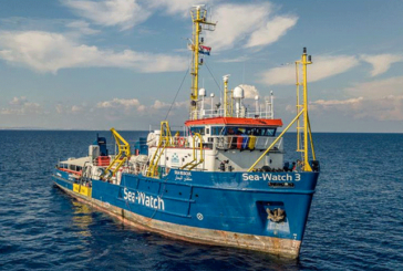 SEA WATCH 194 MIGRANTI A MESSINA