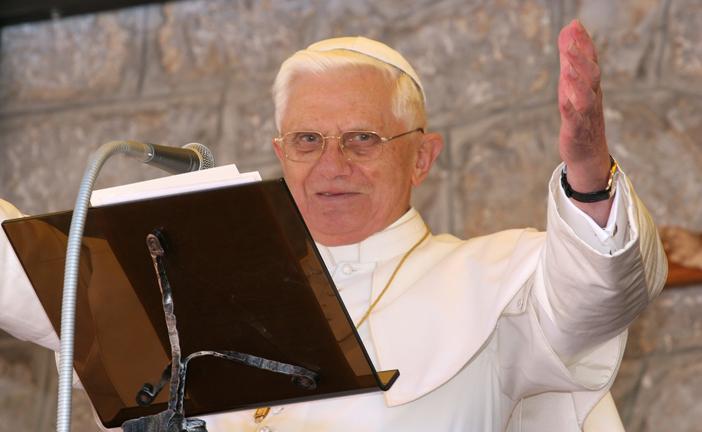 PAPA BENEDETTO XVI RIENTRA IN VATICANO